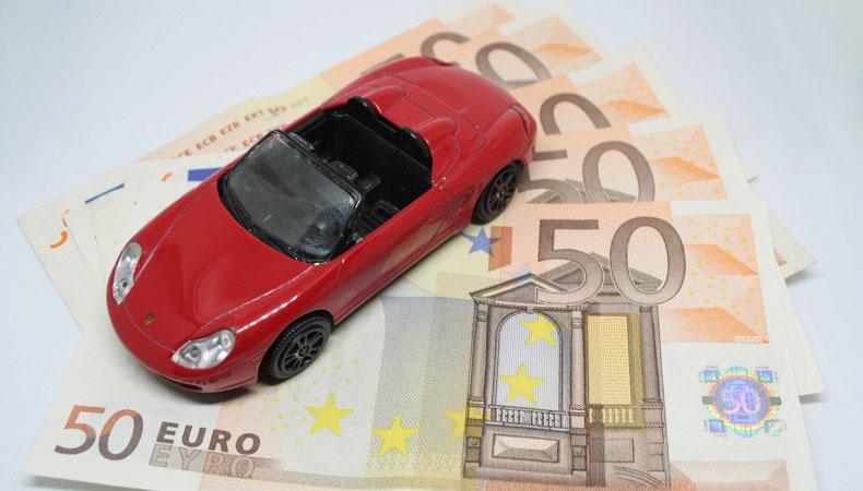 Een WA-autoverzekering afsluiten is voor elke automobilist wettelijk verplicht. © Elisa Riva / Pixabay