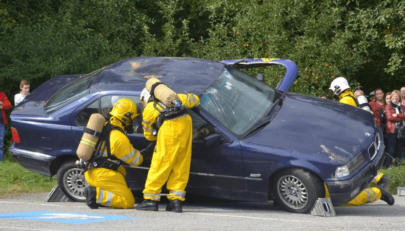 Een beperkt casco-verzekering, ook wel WA- Extra verzekering genaamd, dekt onder meer schade door diefstal, brand, natuurgeweld, schade aan ruiten en schade door een aanrijding met dieren. © Innviertlerin / Pixabay
