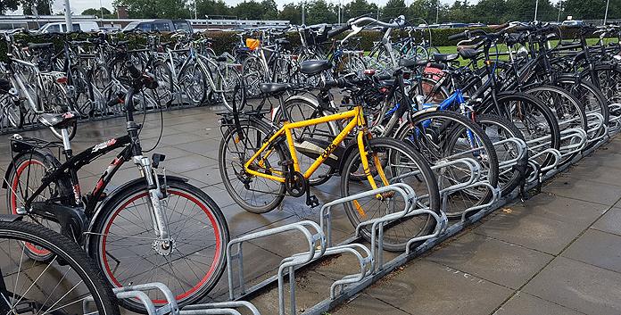 Ook nieuwe kinderfietsen zijn duur. Sluit dus een goede fietsverzekering af. © Alleverzekeringenopeenrij.nl