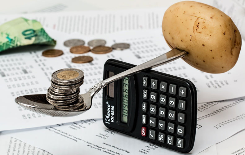 Inboedelverzekeringen vergelijken moet je eigenlijk elk jaar doen als je een nieuw premievoorstel van je huidige verzekeraar krijgt. © Steve Buissinne / Pixabay