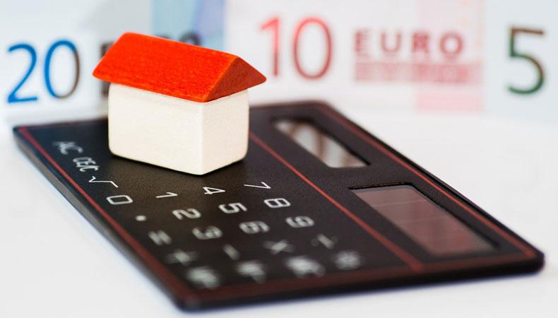 Opstalverzekeringen vergelijken kan je een lagere premie of betere polisvoorwaarden opleveren. © Alexander Stein / Pixabay