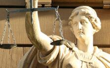 Waar moet je op letten bij het afsluiten van een rechtsbijstandverzekering af. © Hermann Traub / Pixabay