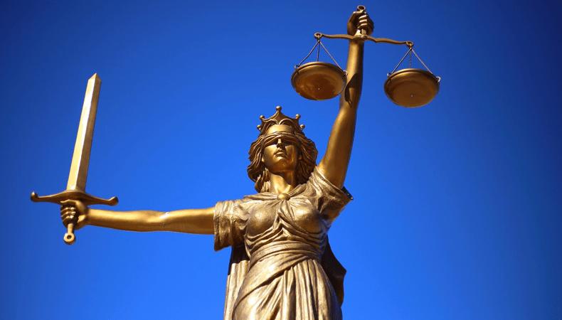 Rechtsbijstandverzekeringen vergelijken kan veel geld besparen, want de premies verschillen enorm. © Sang Hyun Cho / Pixabay